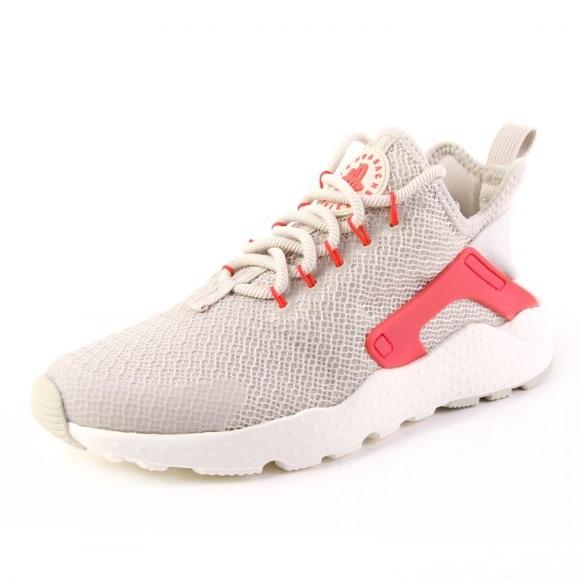half off b00c7 f2d49 Nike Wmns Air Huarache Run Ultra Light Women Shoes
